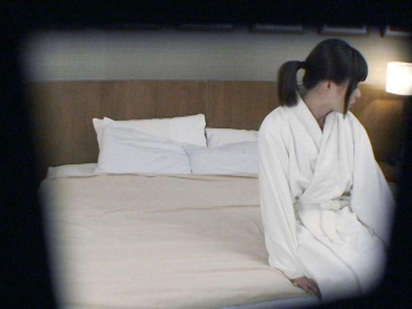 人妻寝取り出張施術 [一]【三次元】のエロ画像トップ