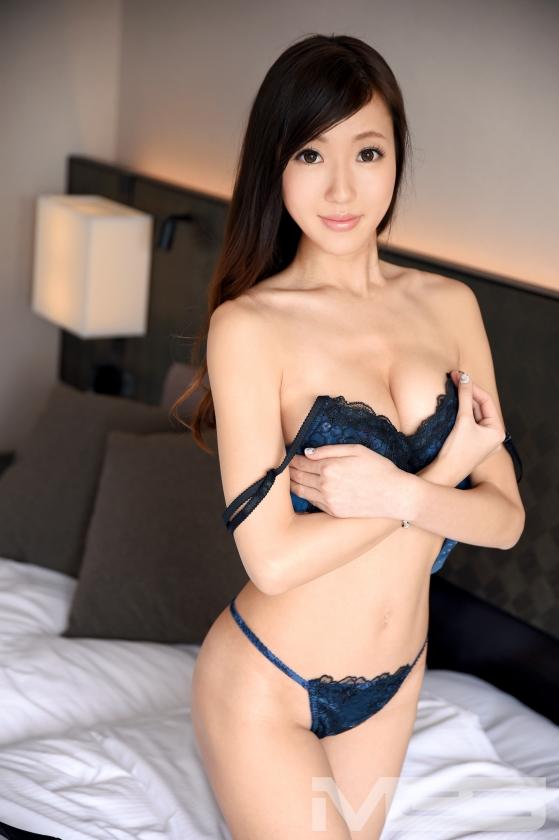 ラグジュTV 谷詩織 30歳 ピアニスト