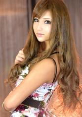 アンナ 24歳 (アパレル店員)