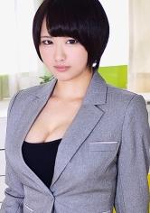 Miki (中堅スポーツメーカー企画部勤務)