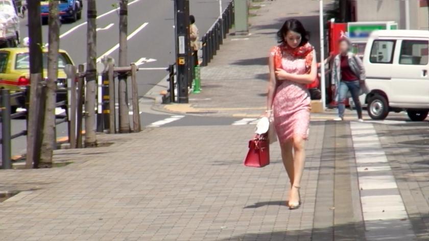 街行くセレブ人妻をナンパしてAV自宅撮影!⇒中出し性交! Celeb.24 徳永れいさん 300MIUM-078