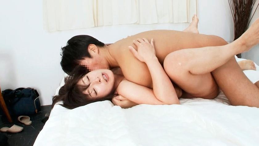 昭和50年生まれ四十路の美人奥さんが乱れます