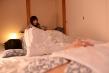 【VR】友人夫婦と温泉旅行、自分の嫁と相手の旦那にバレないように囁き密着濃厚不倫SEX 1 矢口弘美